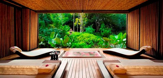 Nong Thale, Thailand: Enjoy your Private bath tub and Aroma steam room in your PRIVATE SPA SUITE