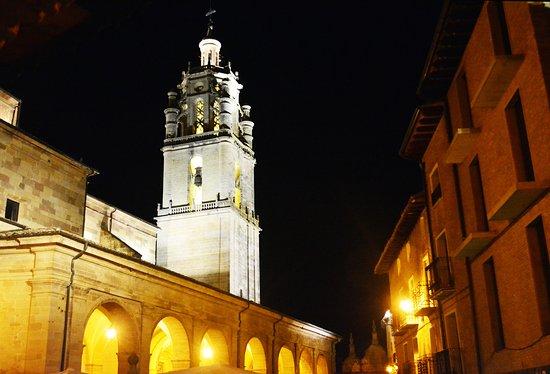 Hostal Suetxe: Inglesia de Santa Maria bell tower