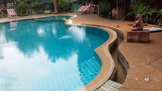 Aonang Mountain Paradise: piscine dangereuse