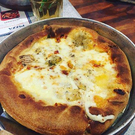 Sam's Pizza Land: photo0.jpg