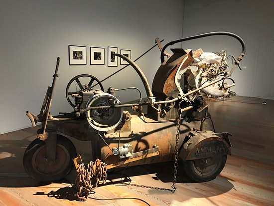 Museo Jean Tinguely: photo1.jpg