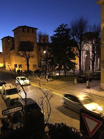 Albergo Al Castello : Room 19, view to Castel Vecchio