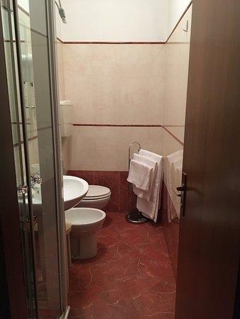 Albergo Al Castello: Room 19, view to Castel Vecchio