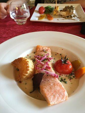 Labastide-de-Virac, ฝรั่งเศส: Salmon