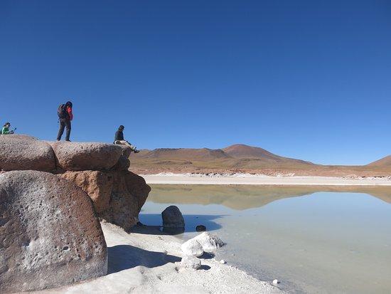 Piedras Rojas: Sem vento, o reflexo na água