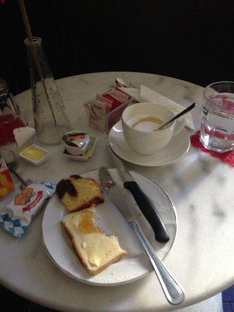 B&B Residenza Vaticana : Frühstücksraum mit Auswahl meines Frühstücks