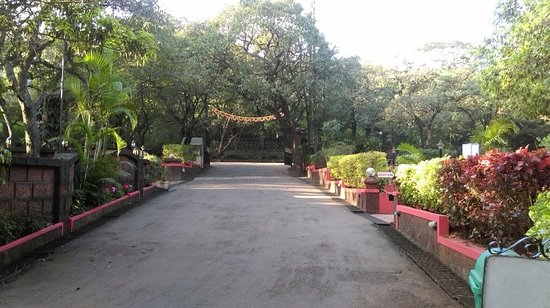 Hotel Lake View : Entrance to the beautiful place in Mahableshwar.