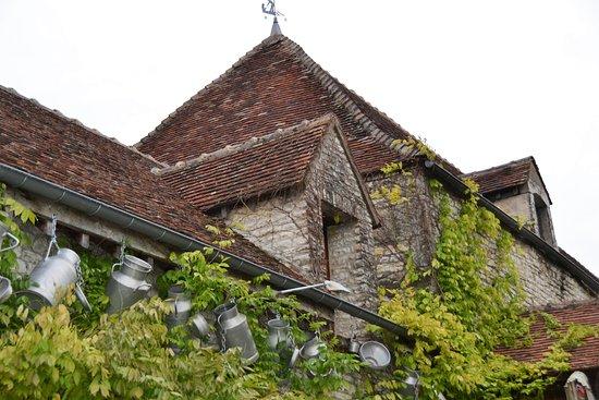 Nitry, France: Une décoration bien campagnarde