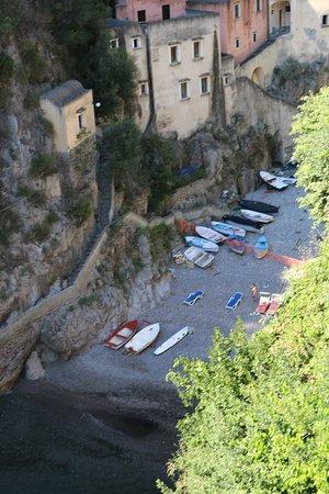 Fiordo di Furore, Italy: desde arriba..
