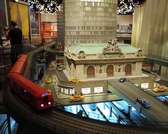 Model picture of new york transit museum new york city for Ny transit museum store