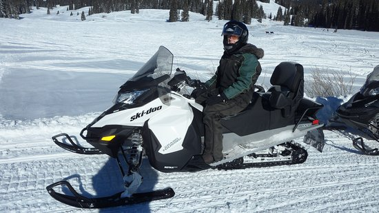 Snowmobile Central Reservations: The snowmobile I drove