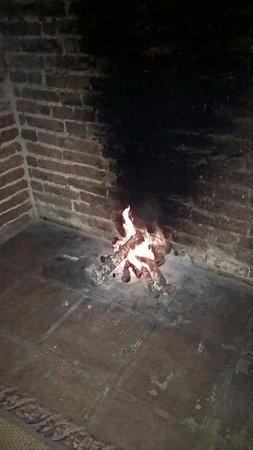 Montemor-o-Novo, Πορτογαλία: A big ang warming fireplace