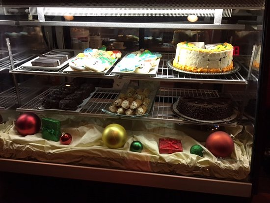 Victor, NY: Bistro 11 - dessert display