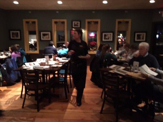 Victor, Νέα Υόρκη: Bistro 11 - rear dining room