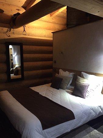 Les Chalets De Maramour: lit king size chalet de 33 m2 pour 4 personnes