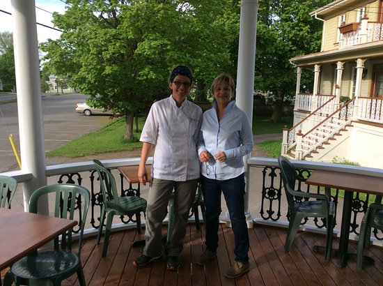 L'Islet, Kanada: Corinne Leroy (cheffe-propriétaire) Lise Fournier (gérante-propriétaire)