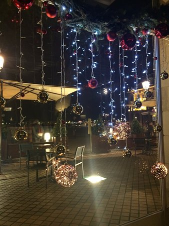 Le Gabriel: lovely decorations for the holidays
