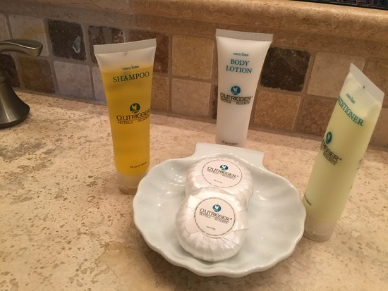 Waipouli Beach Resort: soaps and hair products