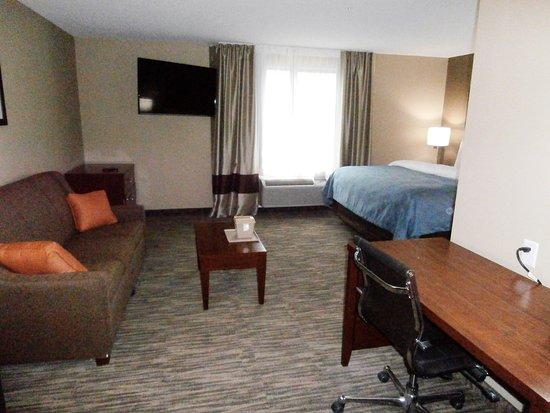 Edinburg, TX: King Suite