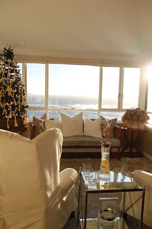 Clifton, South Africa: Main lobby decorated for Christmas