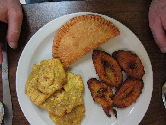 Valdosta, GA: Chicken and rice plantain, sweet plantains, tostones