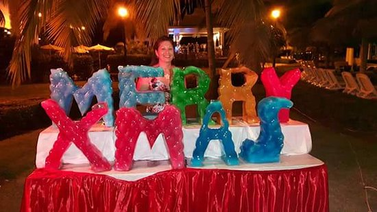 Ice Sculpture Christmas.Christmas Eve Ice Sculpture Picture Of Hotel Riu Montego