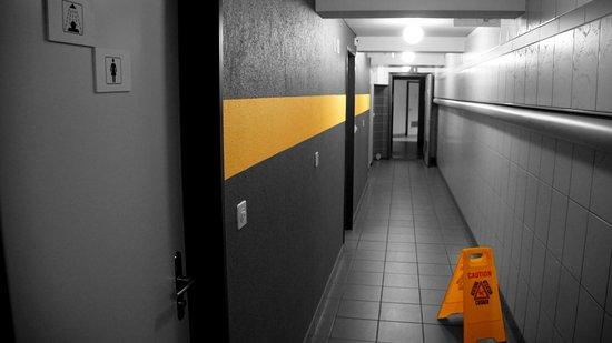 Mountain Hostel Grindelwald: Toillette & shower