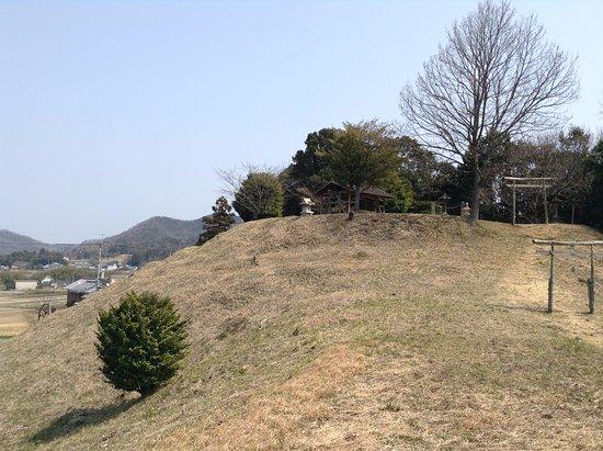 Tomita Chausuyama Tomb