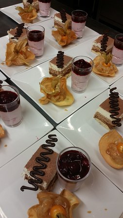 Della Spiaggia : assortiment de desserts pour bien finir le repas