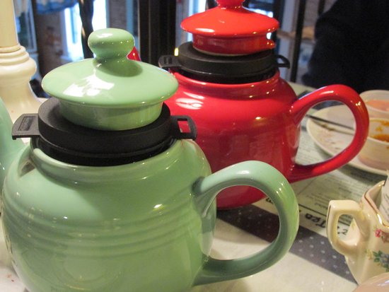 Morris, IL: Order the individual teapots so you can refill your cup -- you'll be glad you did!