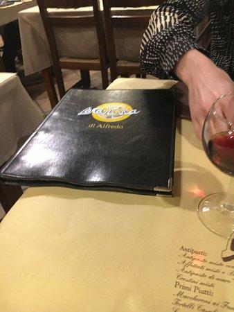 Capannori, Italia: Menu anche sulla tovaglia