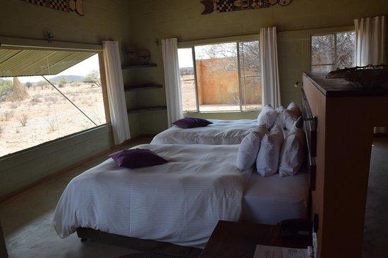 Zimmer mit aussicht photo de okonjima plains camp for Zimmer mit aussicht