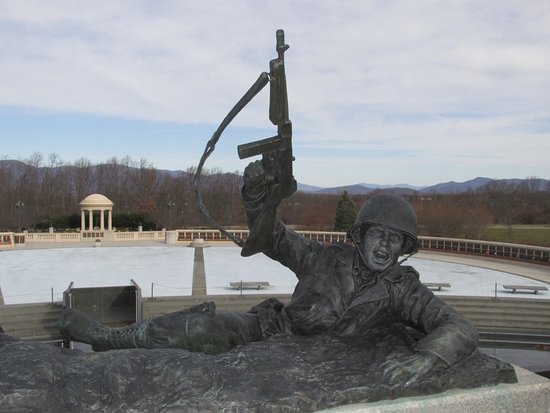 Bedford, VA: Statue of soldier who has scaled the wall.