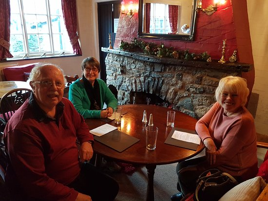 Llanarmon DC, UK: The Dining room at the Rear of the Hotel
