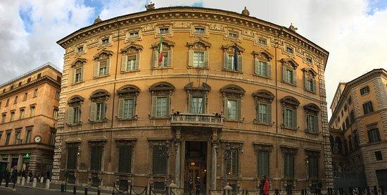 Palazzo madama sede del senato della repubblica for Sede senato italiano