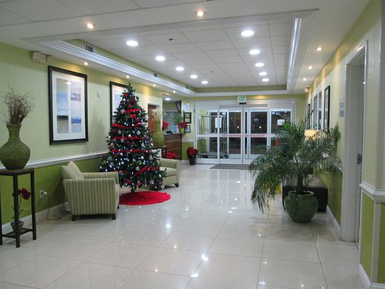 Port Wentworth, GA: Lobby area near business center and breakfast area