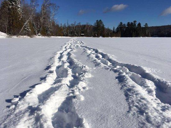 Chertsey, Canada: Marche sur le lac gelé