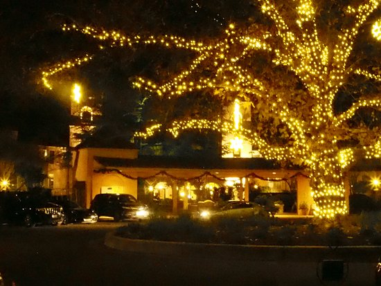 fairmont sonoma mission inn spa all lit up for christmas - Mission Inn Christmas