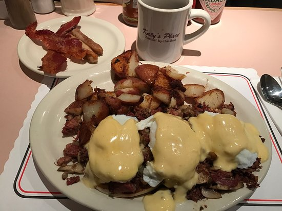 Katy's Place: Irish Benedict.