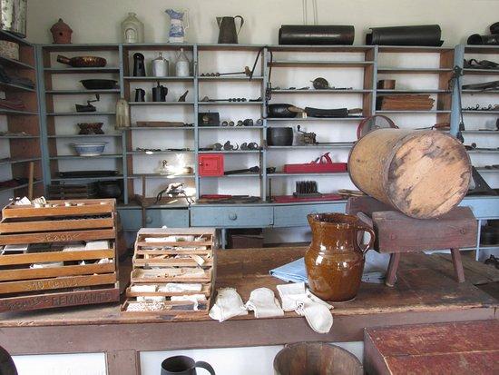 Appomattox, VA: Inside Meeks Store