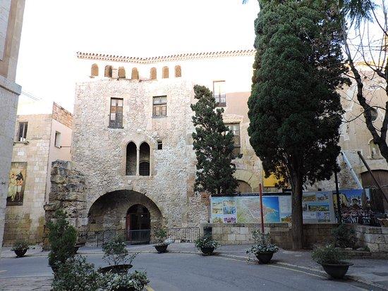 Casco antig o de tarragona tarragona espa a picture of casco antiguo de tarragona - Casco antiguo de girona ...