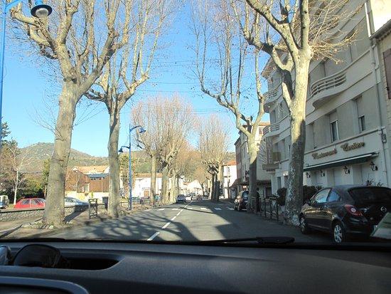 Quillan, فرنسا: On reprend la route, sortie de Quillan. Visitez cette région
