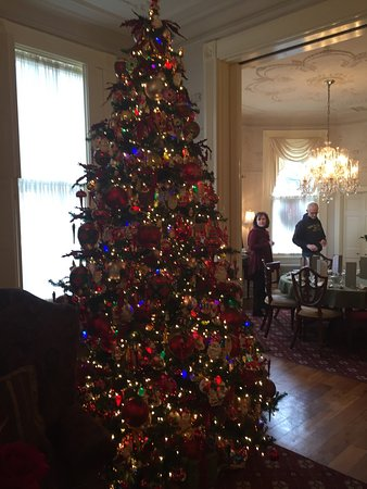 The Inn on Negley: All decked out for the holidays magnificent