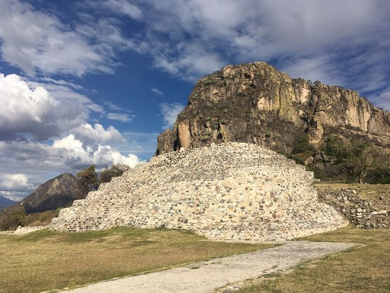 Morelos, Mexico: Pirámide de Chalcatzingo