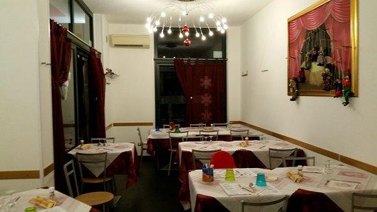 Piatti Spaiati - Le Marionette : interno ristorante new look