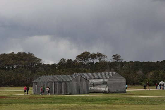 Kill Devil Hills, Carolina del Norte: Hangar and workshop/living quarters