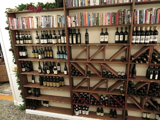 Stonewall, TX: Great wine and good books: a winning combination!