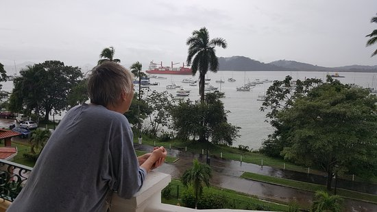 Country Inn & Suites By Carlson, Panama Canal, Panama: Watching ships entering the Panama Canal in early morning.