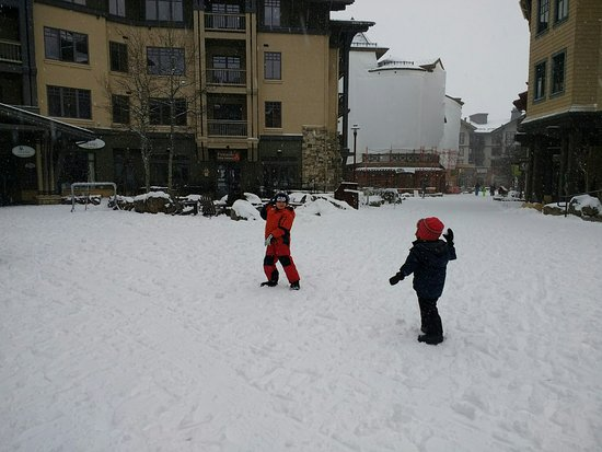 The Village At Squaw Valley: Snowball duel at high noon!