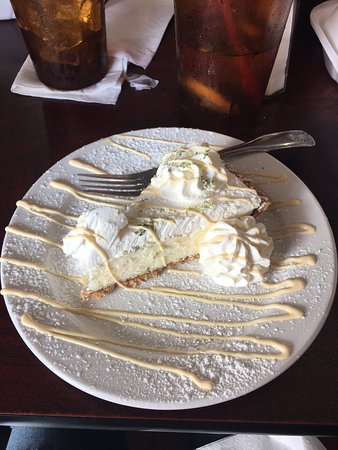 St. Marys, Georgien: Best Key Lime Pie I've tasted yet! Loved it!